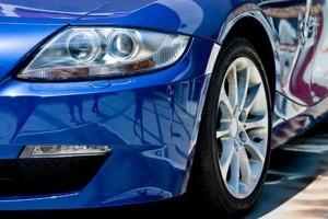 Cómo arreglar la pintura del auto